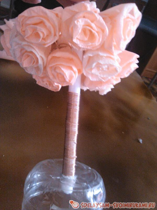 Flower tree made of corrugated paper