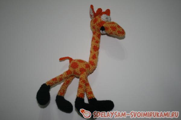 Веселый жираф
