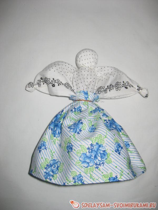 A simple doll - motanka for fun kids