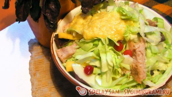 Капустный салат с лимонно-горчичной заправкой
