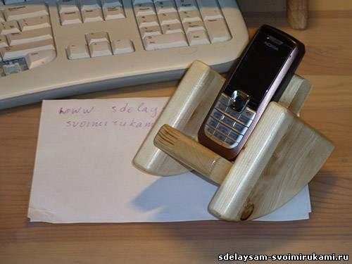 Кресло-качалка для мобильного телефона
