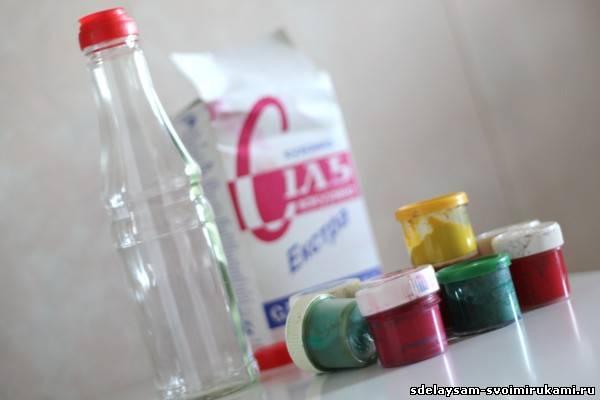 Как сделать декоративную бутылку с разноцветной солью.