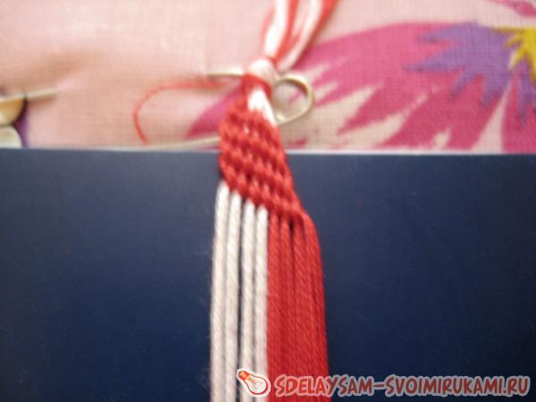 How to weave a bauble from floss thread?