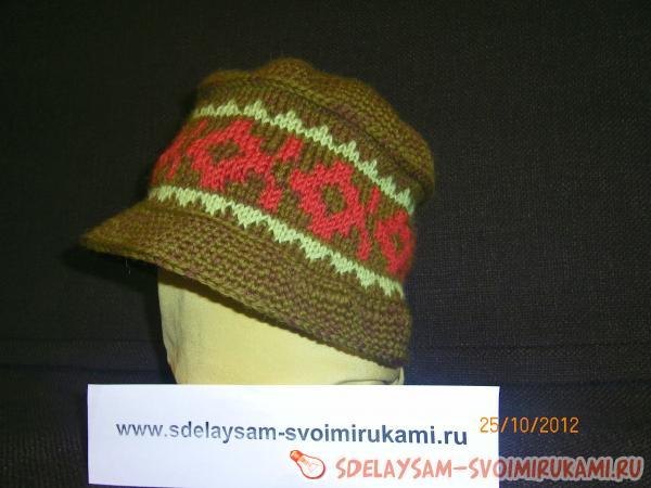 Теплая вязаная шапка к зиме