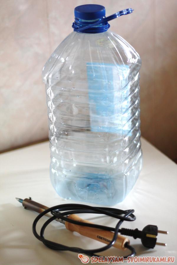 Вазочки из пластиковых бутылок