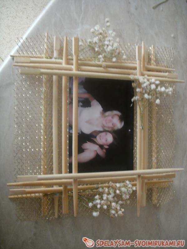 Фоторамка из китайских палочек