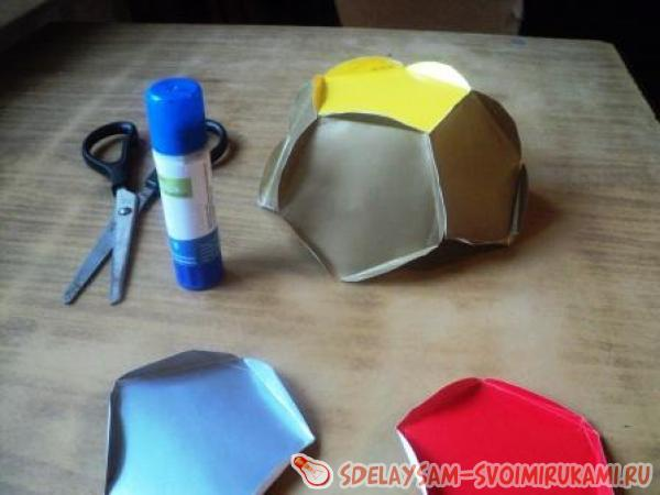Сияющий шар из цветной бумаги