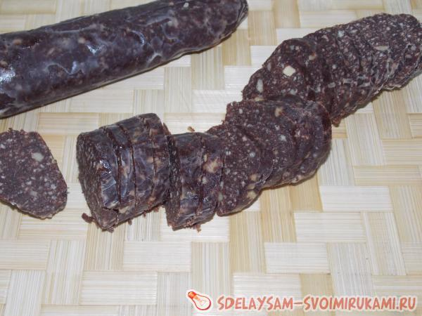 Шоколадная кондитерская колбаска
