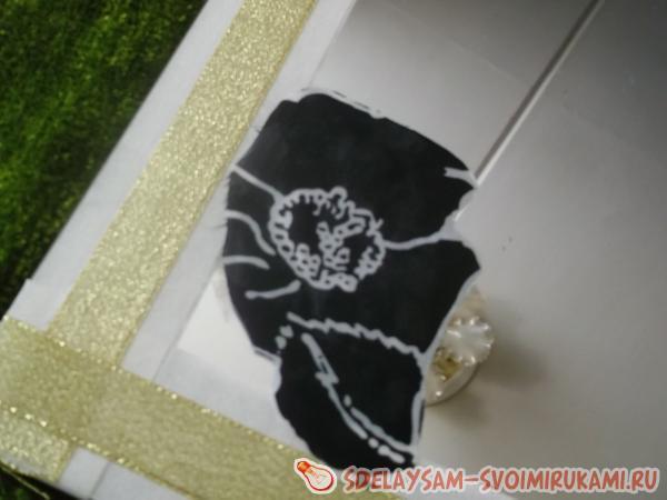 лоскута шелковой или атласной ткани