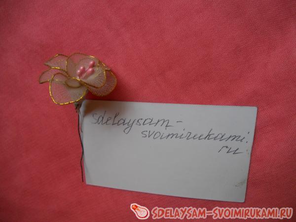 A flower made of kapronoba cloth do it yourself