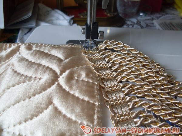 Ткань и бахрома готовы