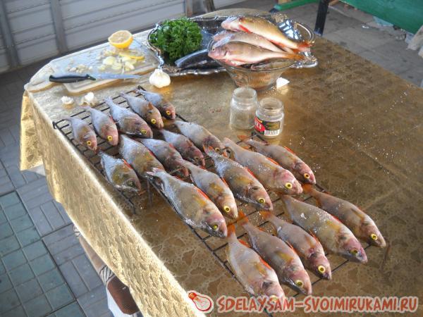 Рыба горячего копчения с начинкой