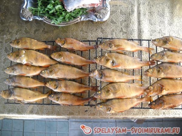 готовая копченая рыба