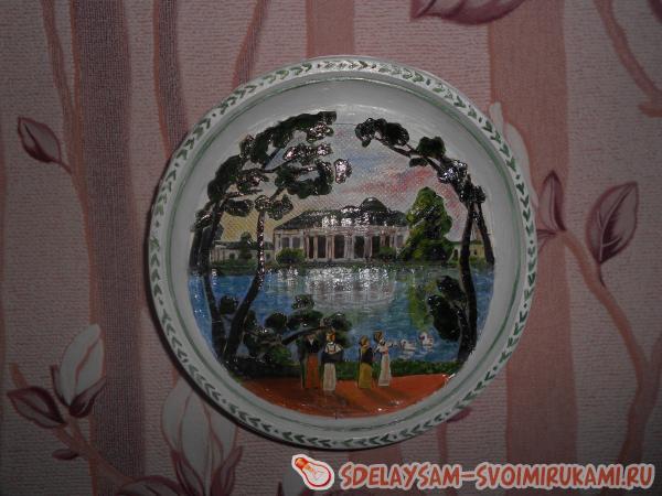 декоративная тарелочка с объемным изображением