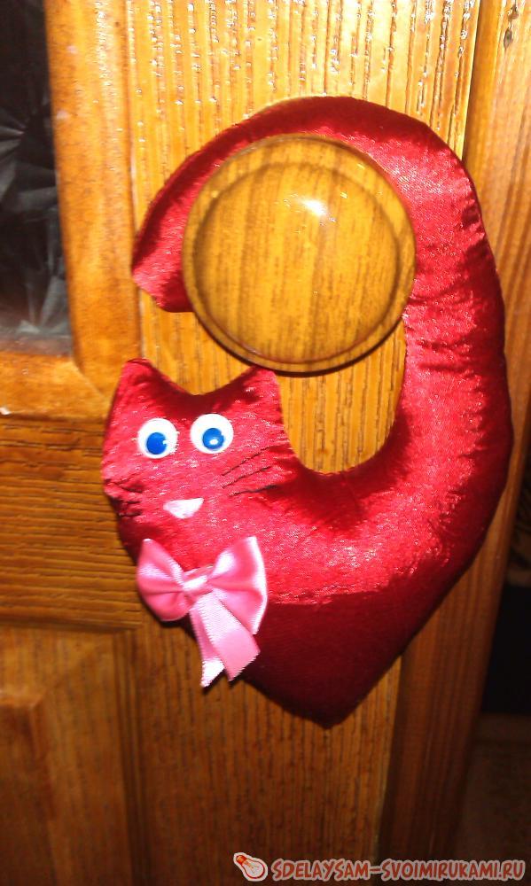 Мягкая игрушка кот в форме сердца