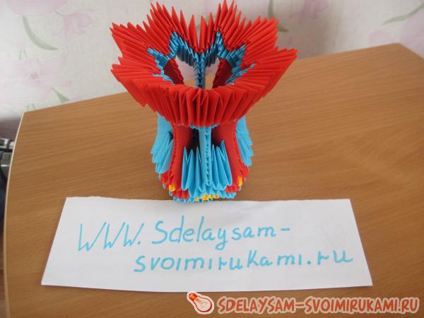 Ваза в технике модульного оригами