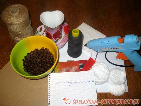 Кофейный топиарий - сердце: делаем стильный подарок ко дню