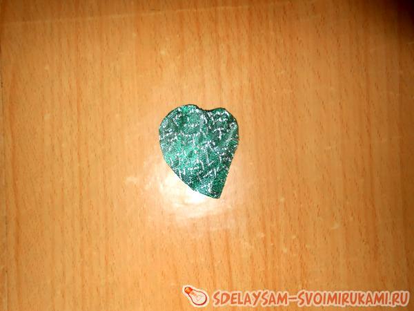 ткань зеленого цвета