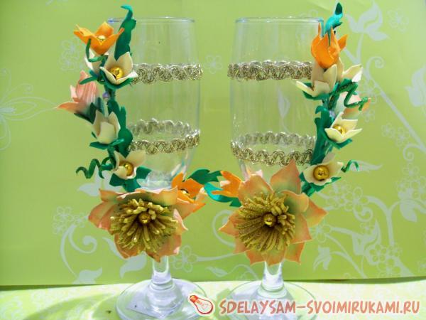 Мастер-класс по украшению свадебных бокалов фоамираном