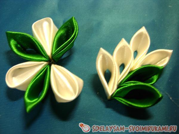Green kanzashi hairpin