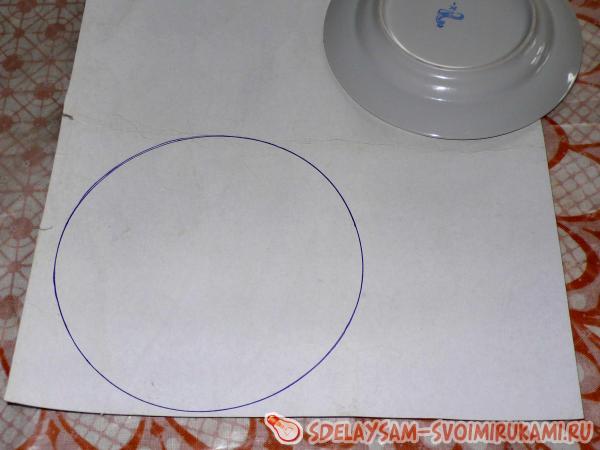 На картонке рисуем круг