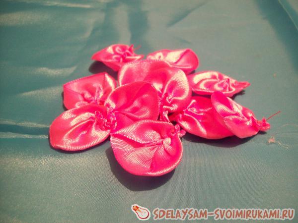 clip of satin ribbons