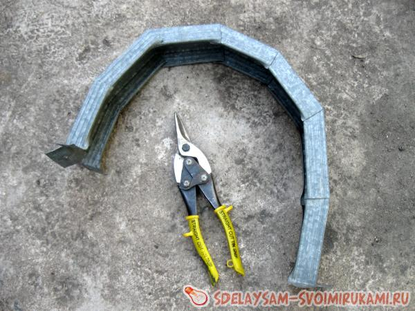 http://www.sdelaysam-svoimirukami.ru/images/11/617-razrezat-i-vygnut-profil.jpg