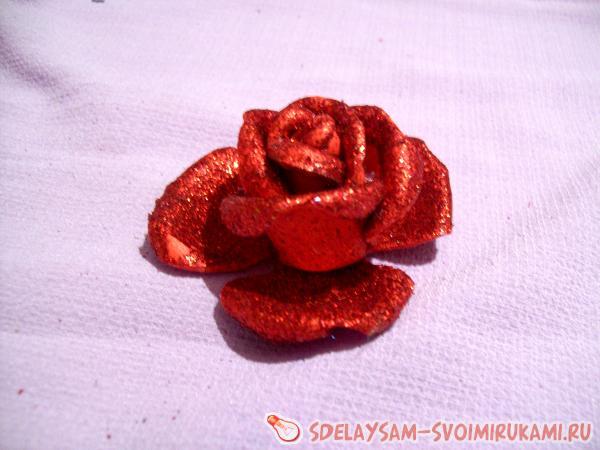 begin to shape the petals