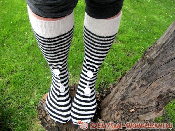 Переделка старого свитера носки
