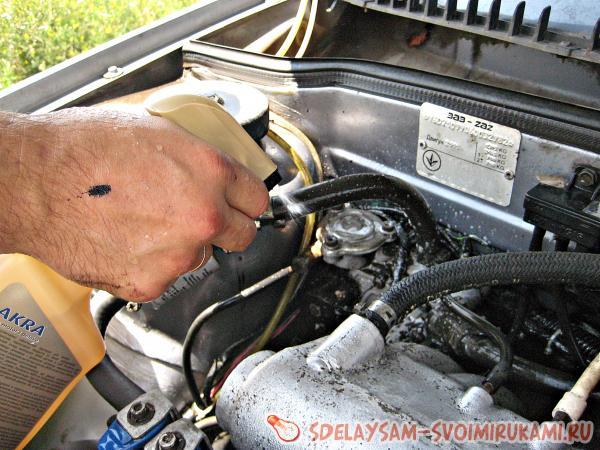 Как очистить двигатель автомобиля