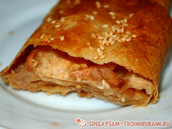 Lazy strudel with pita apples