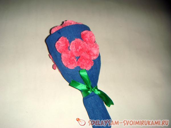розовых пышных цветочков