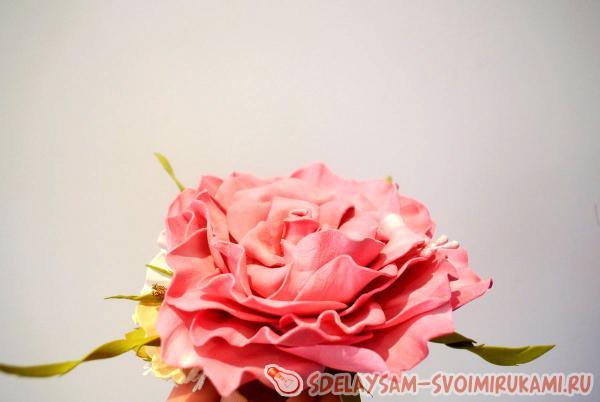 Чайная роза из фоамирана