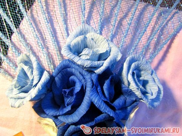 веера с цветами из гофрированной бумаги