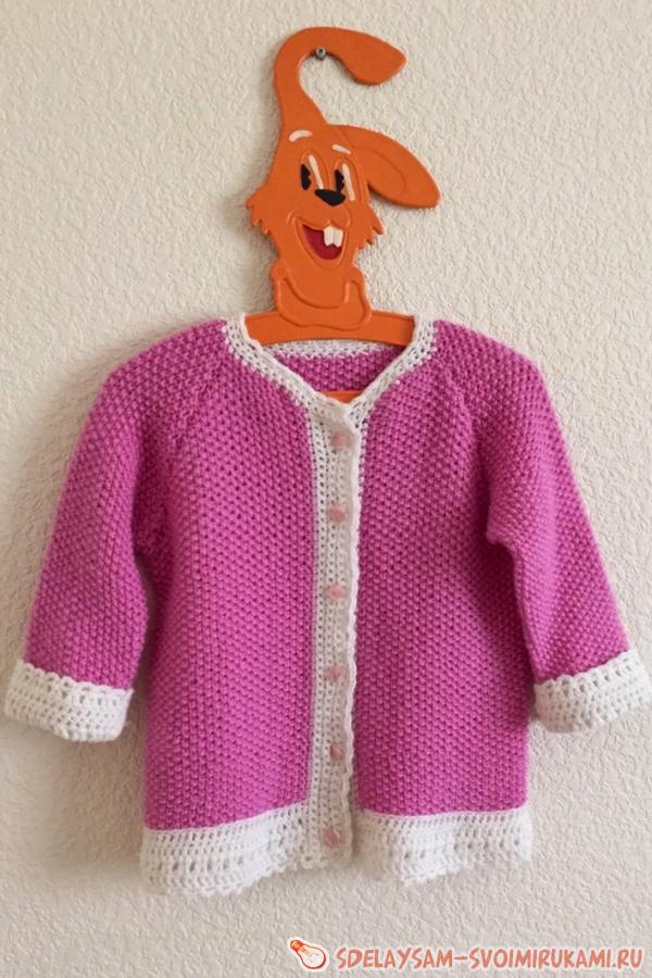 Cardigan knitted on the knitting needles