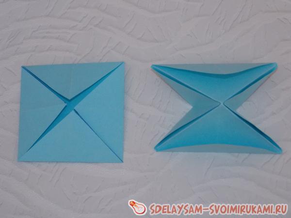Объемная елочка из бумаги