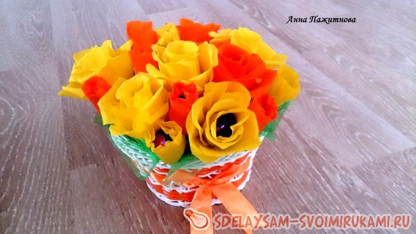 Букет из конфет «Желтые розы» в корзинке