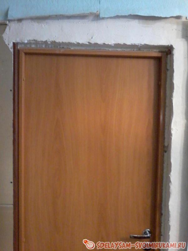 Установка доборов и наличников на входную дверь своими