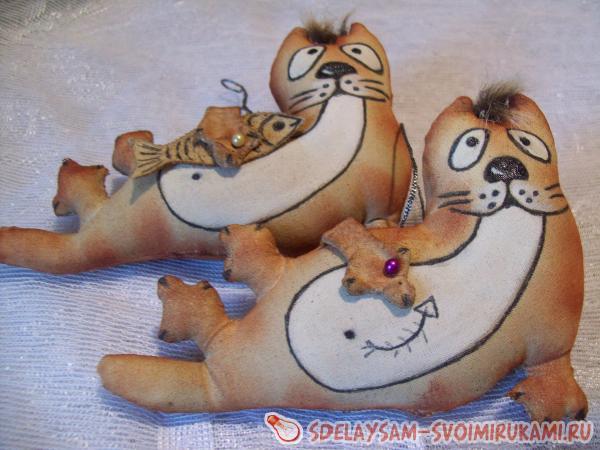 Кофейная игрушка «Кот-рыболов»