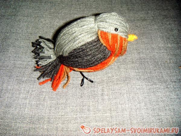 Птичка из нитей