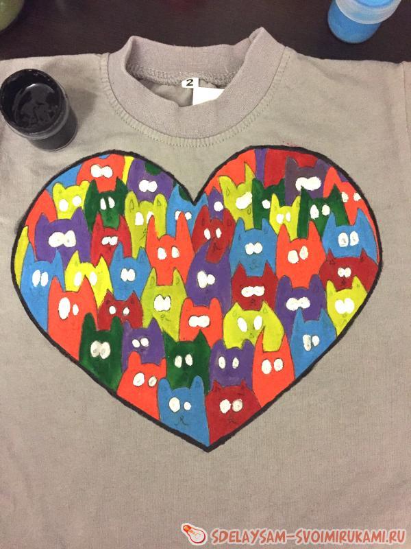 Painting children's t-shirts