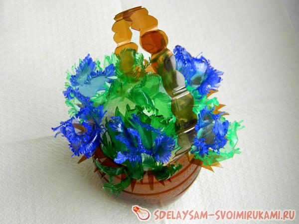 Basket with a bouquet of plastic bottles
