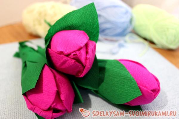 тюльпаны из гофрированной бумаги