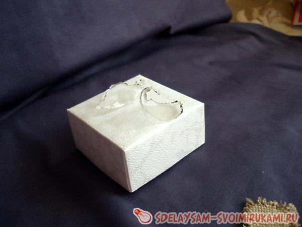 Нарядная подарочная коробочка