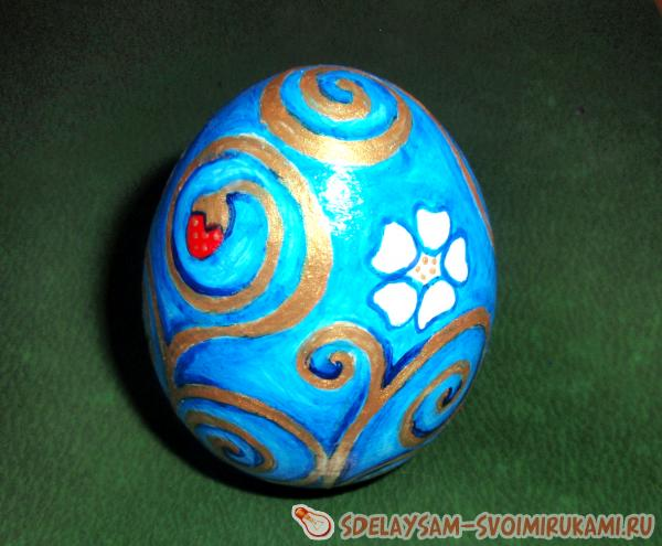 Роспись деревянного яйца «Золотые узоры»