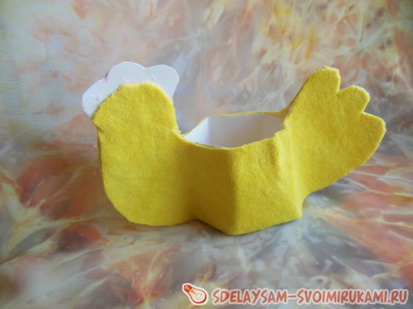 Подставка для яичка в форме курочки