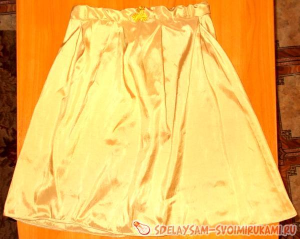 Юбка из шелковой ткани с оборчатой отдел