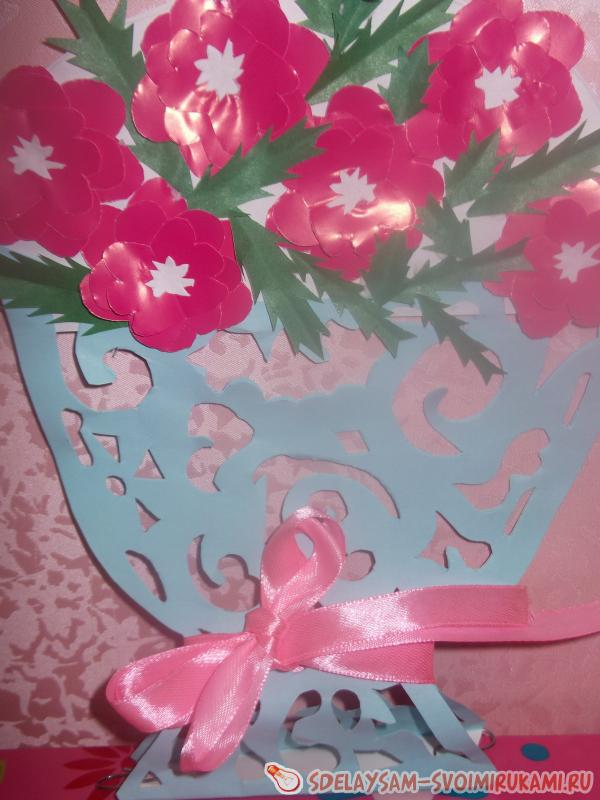 ажурная вазочка с цветами из бумаги