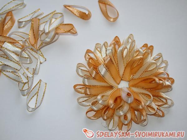 Заколка медуза из атласных лент