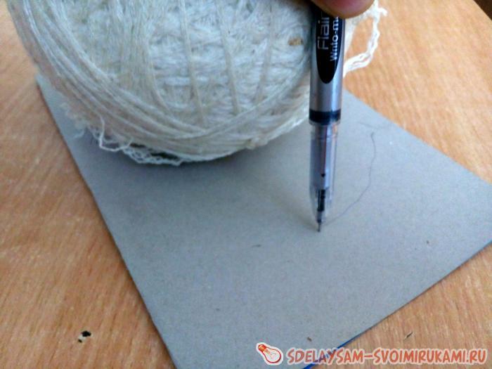 Капитошка из нитей для вязания